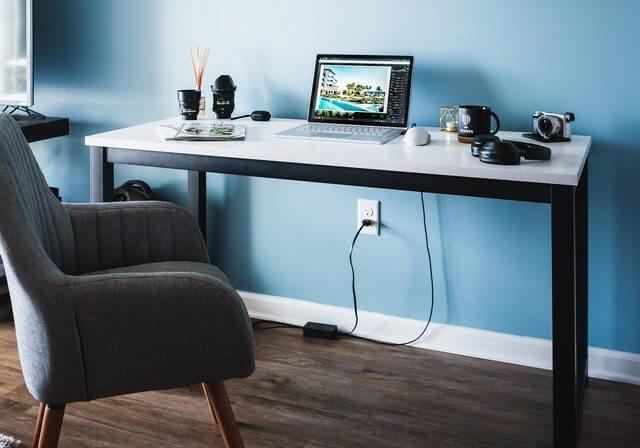 パソコンのある作業スペース