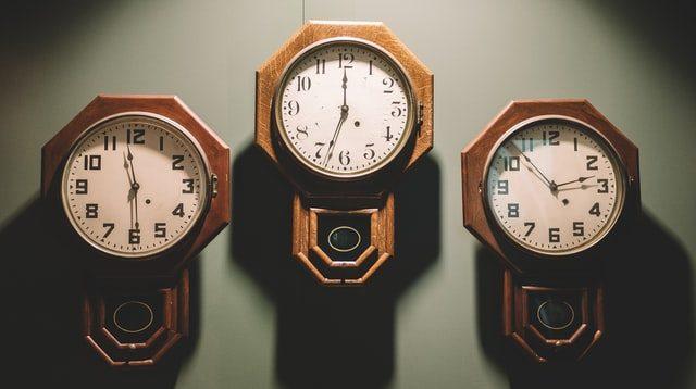3台の時計